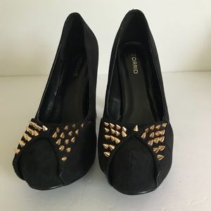 Torrid 4in Black Spiked Bow Heel